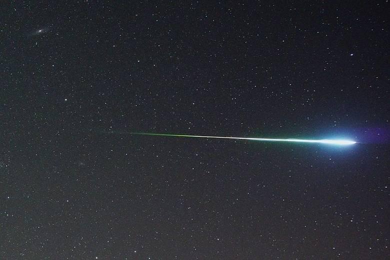 Podpowiadamy, gdzie patrzeć, by obserwować spadające meteory