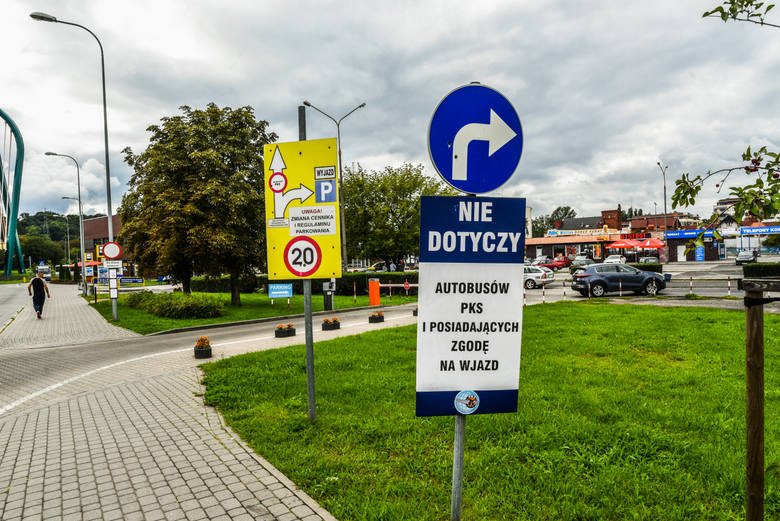 28.08.2017 bydgoszcz zakaz ruchu okolice pks parkowanie kolo pks-u fot.dariusz bloch/polska press