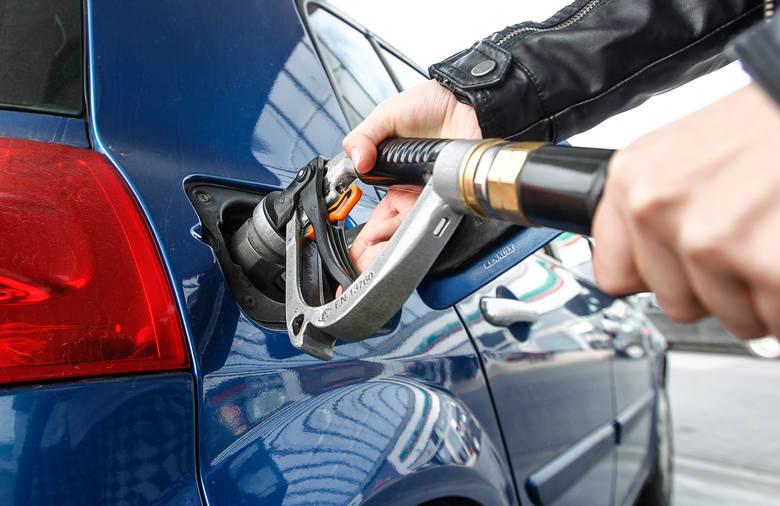 Aktualne ceny paliw w regionie (notowanie z 01.07). Podane ceny to kolejno: benzyna Pb95, diesel i gaz LPG.DĘBICAAuto-Wit, ul. Wiejska4,14 zł4,14 zł1,94