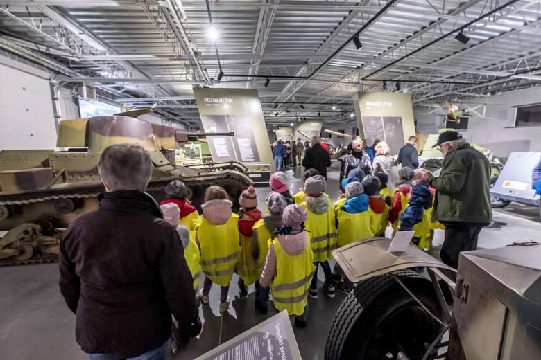 We wtorek, 8 października, po dwóch latach budowy dla zwiedzających otwarto Muzeum Broni Pancernej w Poznaniu. Placówka przeniosła się na Ławicę z Golęcina.