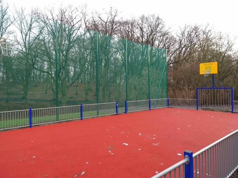 Moc atrakcji w Parku Brodowskim w Szczecinie. Jest plac zabaw, boisko i siłownia [ZDJĘCIA]