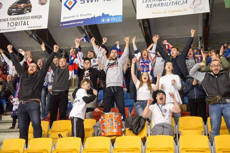 Przez pięć miesięcy toruńscy hokeiści walczyli w sezonie 2019/20, by zapewnić sobie miejsce w decydującej fazie rywalizacji Polskiej Hokej Ligi - rundzie