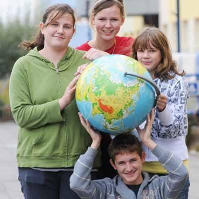 - Na zajęciach kółka geograficzno-ekologicznego możemy rozwijać swoje zainteresowania - mówią Gimnazjalni Strażnicy Ziemi: Ola Bok, Kacper Witt, Ala