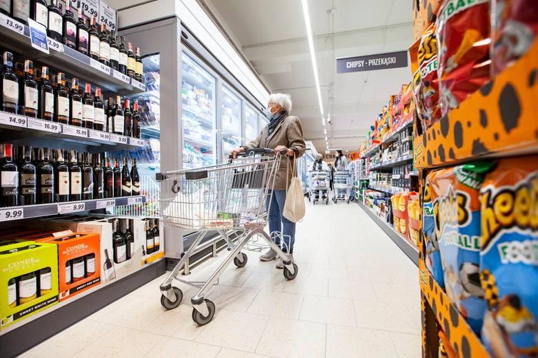 Rząd chce uruchomić ogólnopolską, państwową sieć sklepów spożywczych. Te plany ujawnił dziś wiceminister aktywów państwowych Artur Soboń. - Bylibyśmy