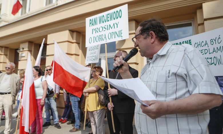 Pod urzędem wojewódzkim w Rzeszowie manifestowali dziś mieszkańcy gminy Krasne, którzy chcą, by została ona przyłączona do Rzeszowa.Inicjatorem manifestacji