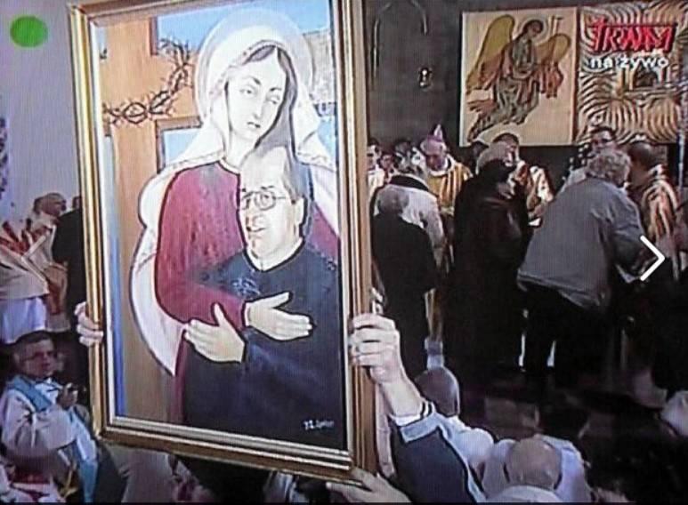 Ojciec Rydzyk w objęciach Matki Boskiej na antenie TV Trwam. Ten obraz to profanacja? Internauci komentują