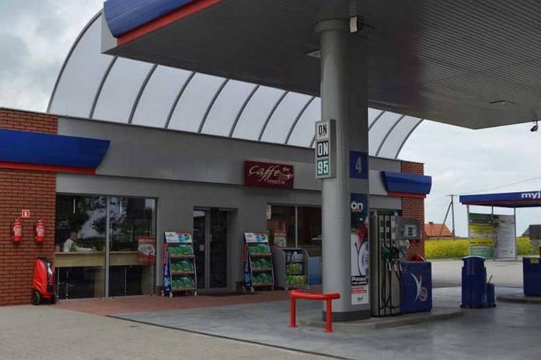 Stacja Moya w Dobrzycy, tutaj doszło do napadu