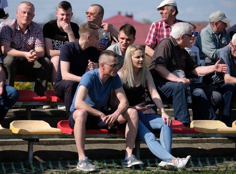 W meczu na szczycie 3 ligi Wólczanka Wólka Pełkińska przegrała z Chełmianką Chełm 0:2. Zwycięstwo gości było świetnym prezentem dla trenera Chełmianki.