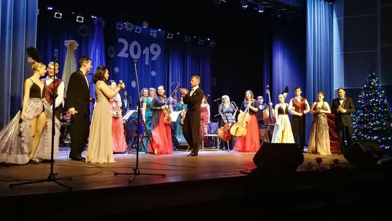 Owacjami na stojąco publiczność dziękowała artystom Wiedeńskiej Gali Noworocznej w kinie Rondo 1 stycznia. W trakcie dwóch wyjątkowych koncertów usłyszeć