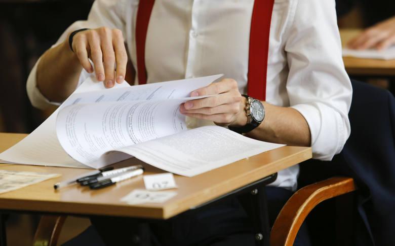 Dyrektorzy podkarpackich szkół zapewniają: egzamin z języka obcego się odbędzie
