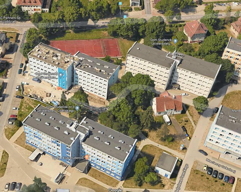 Wśród najbardziej popularnych trójmiejskich szkół wyższych znajdują się m.in. Uniwersytet i Politechnika Gdańska. Oferują one szeroki wybór domów studenckich.