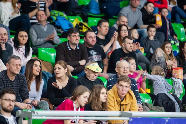 """W meczu w bydgoskiej """"Łuczniczce"""" kończącym 24. kolejkę PlusLigi siatkarze Chemik Bydgoszcz przegrali z Asseco Resovia 1:3.Rzeszowianom ta wygrana przyszła"""