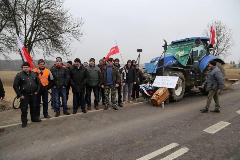 DK 19 odblokowana. Rolnicy ruszają na Warszawę (zdjęcia)