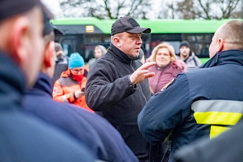Mimo dwukrotnych poszukiwań ochotników, ponad setki osób, biorącej udział w nich - nie udało się odnaleźć nawet śladu Michała Rosiaka. Także prokuratura