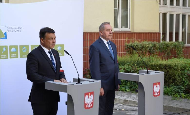 Jak wiceminister środowiska zrobił z siebie powstańca warszawskiego [FELIETON ARKADIUSZA KRYSTKA]