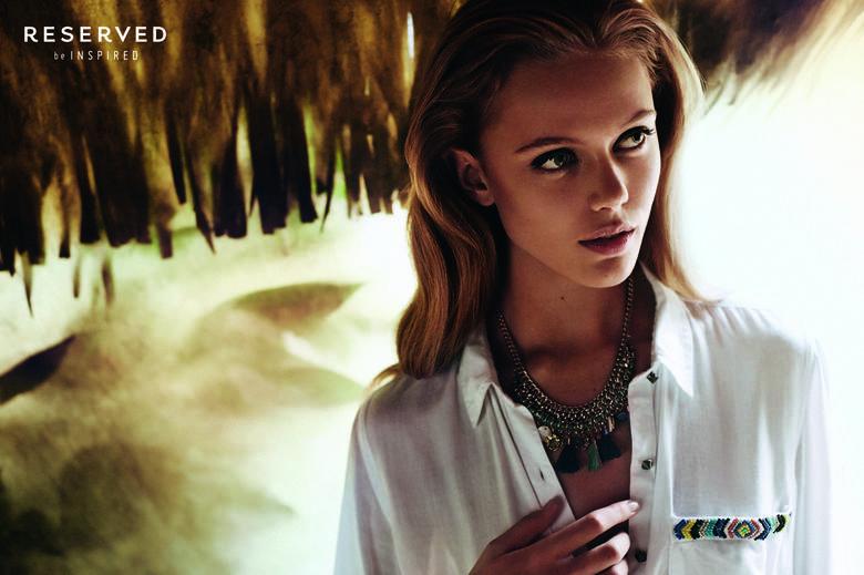 Frida GustavssonSzwedzka modelka reprezentowała linię Street Fashion Reserved na sezon wiosna lato 2014. Urodzona w 1993 roku Frida Gustavsson była twarzą