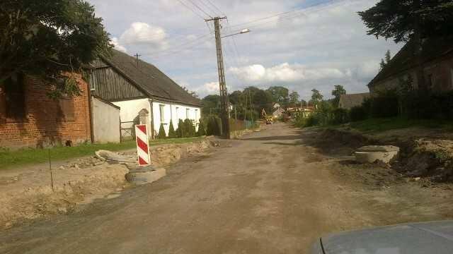 Mieszkańcy Janiewic nie mają jak dojechać do domów