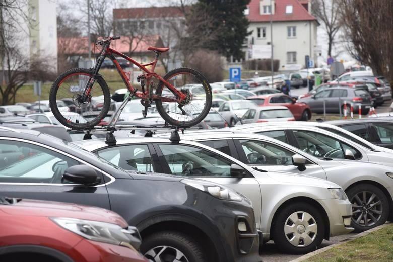 Wzrost opłat w strefie parkowania. Ile zyskał budżet miasta? Czy będą kolejne zmiany?
