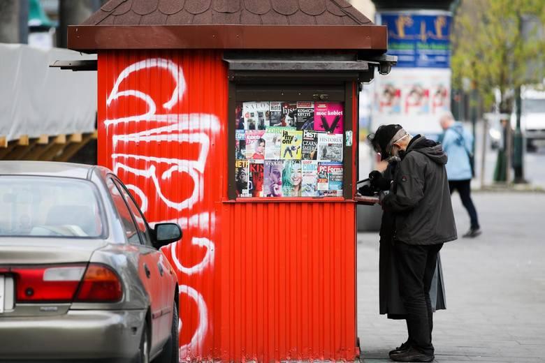 Tylko w ostatnim tygodniu na popularnym portalu ogłoszeniowym pojawiło się kilka kiosków w Toruniu - niektóre na sprzedaż, inne na wynajem. Czyżby te