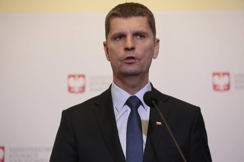 Wiceminister edukacji Dariusz Piontkowski