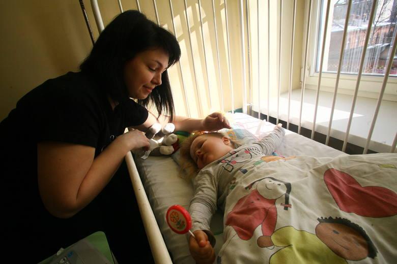 Walerka lada dzień wyjdzie ze szpitala. Po kilku dniach przyjedzie na kontrolę, a tuż po niej będzie mogła razem z mamą wrócić do domu