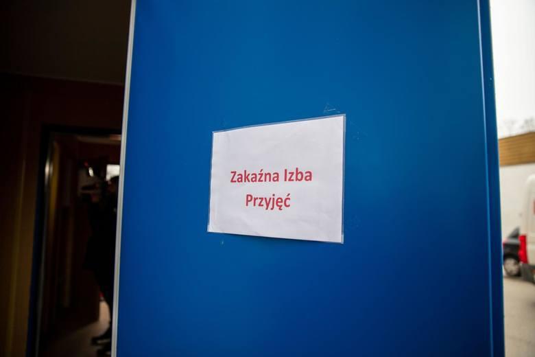 Białystok. Odwołane imprezy masowe, kontenery do selekcji pacjentów, zamknięte uczelnie. Koronawirus burzy naszą rzeczywistość (ZDJĘCIA)