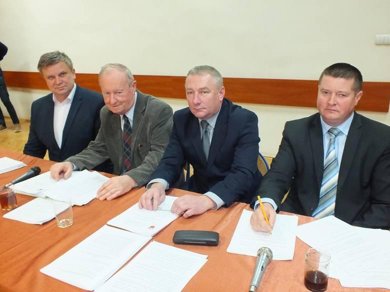 Przewodniczący komisji w wąchockiej radzie, od lewej: Mirosław Jaźwiec, Kazimierz Winiarczyk, Grzegorz Retkowski, Dariusz Dudek