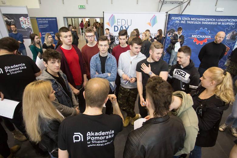 Kilka wyższych uczelni uczestniczyło w targach edukacyjnych EduDay, które w czwartek, 7 marca, odbyły się w Zespole Szkół Mechanicznych i Logistyczn