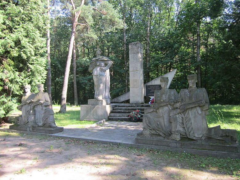 Tak wygląda teraz pomnik żołnierzy radzieckich na cmentarzu przy ul. Ciołkowskiego
