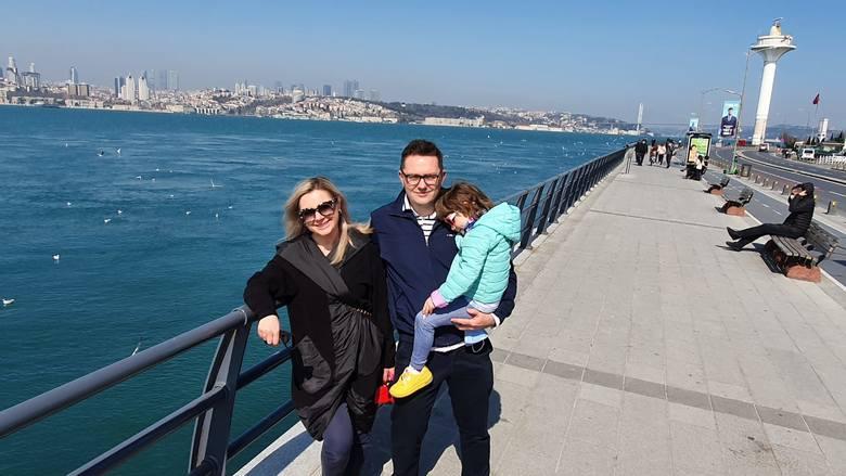 Sabina Klimek z mężem i córką