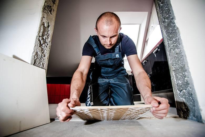 Od początku roku publikujemy listy płac w różnych branżach, firmach i urzędach w woj. lubuskim. Dziś czas na prace remontowe w domu. Zobacz, ile trzeba