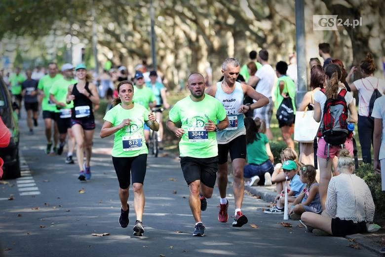40. PKO Półmaraton Szczecin za nami. Ponad trzy tysiące osób ukończyło bieg na 10 km lub dystans 21,097 km. CZYTAJ WIĘCEJ: łmaraton Szczecin 2019 - ZDJĘCIA