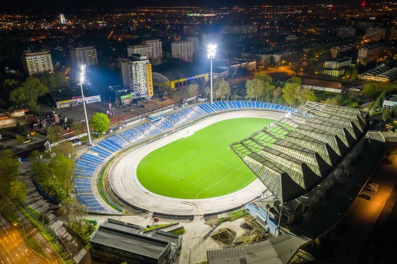 Nowe jupitery rozświetliły stadion miejski w Rzeszowie [ZDJĘCIA]