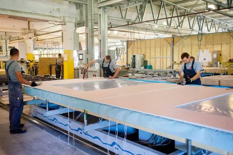 Danwood S.A. w Bielsku Podlaskim kupił nową halę należącą wcześniej do firmy Nordhus. Sto osób znajdzie pracę dzięki tej inwestycji