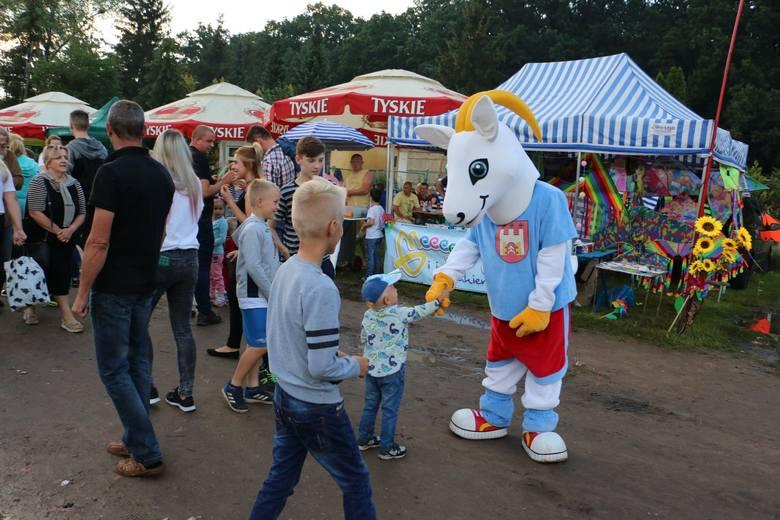 W sobotę świętowali mieszkańcy miasta i gminy Skępe. Choć impreza nad jeziorem ściągnęła gości z okolic. Gwiazdą wieczoru była Honorata Skarbek, ale