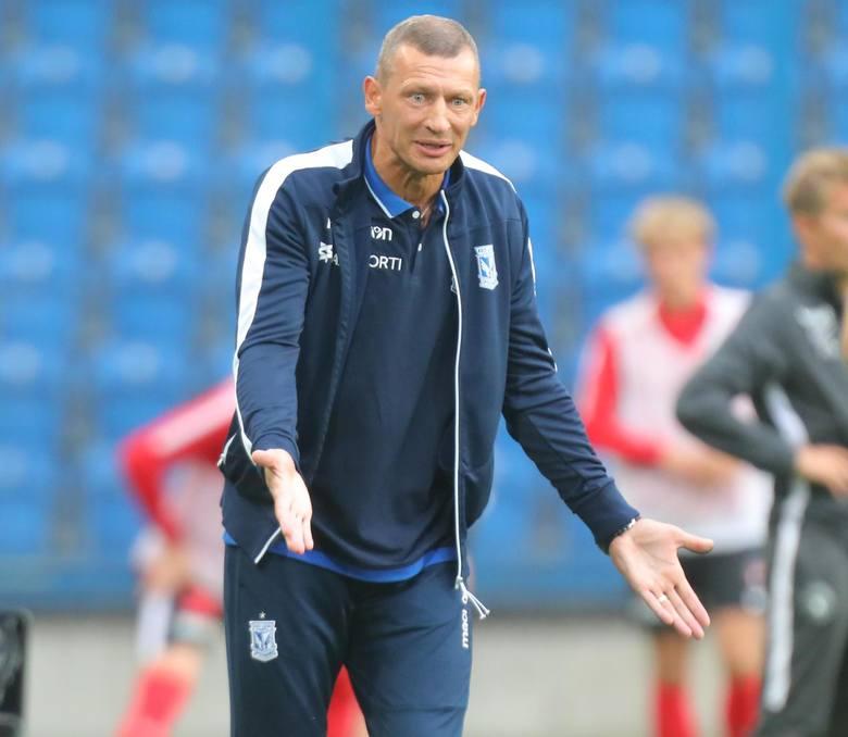 - To fajnie grający i wybiegany zespół, stosujący dużą wymienność pozycji - komplementuje ŁKS trener Kolejorza Dariusz Żuraw.