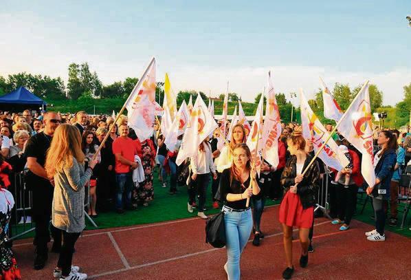 Młodzież uczestniczy w koncertach poświęconych ŚDM