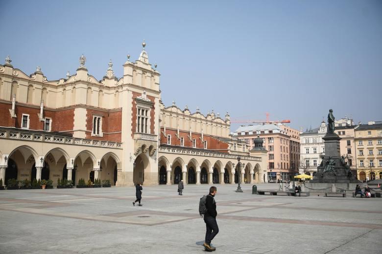 Serce Krakowa pustoszeje. Czy powrócą do niego mieszkańcy?