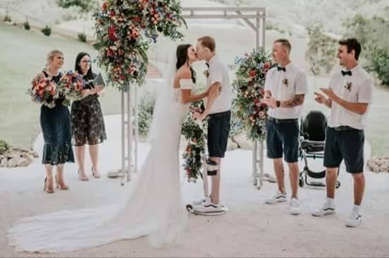 1 lutego 2019 roku Darcy Ward i Lizzie Turner wstąpili w związek małżeński. Dzięki specjalnej ortezie sparaliżowany żużlowiec stanął na ślubie na własnych