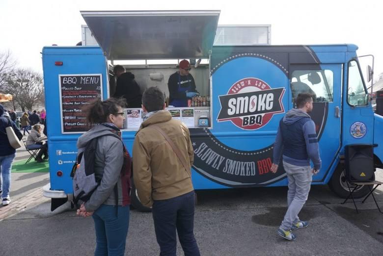 Park Kasprowicza opanowały food trucki