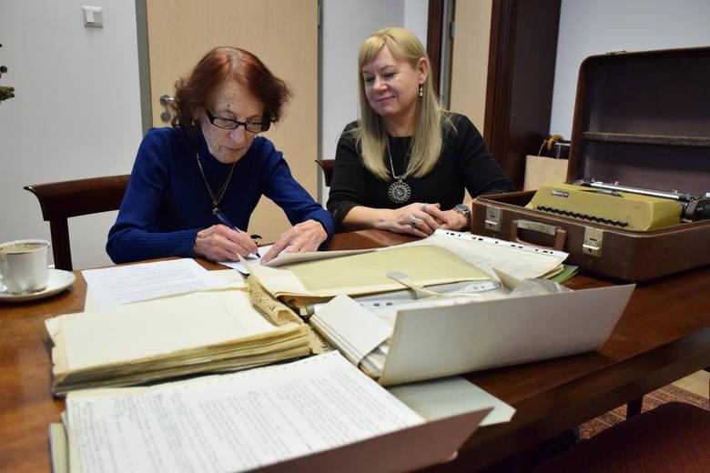 Pamiątki po poecie Wiesławie Kazaneckim trafiły do zbiorów specjalnych Książnicy Podlaskiej