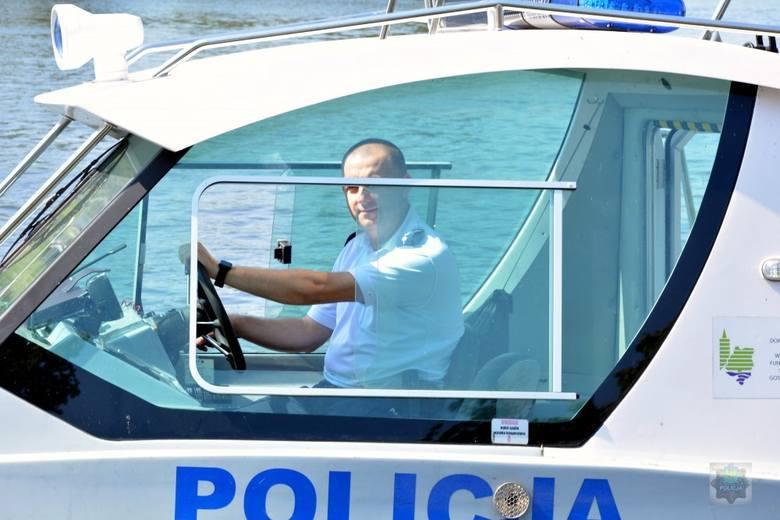 Policyjne służby na wodzie potrwają na Opolszczyźnie do połowy września. Jednak jeśli aura nadal będzie sprzyjać wypoczynkowi nad wodą, policjanci zostaną