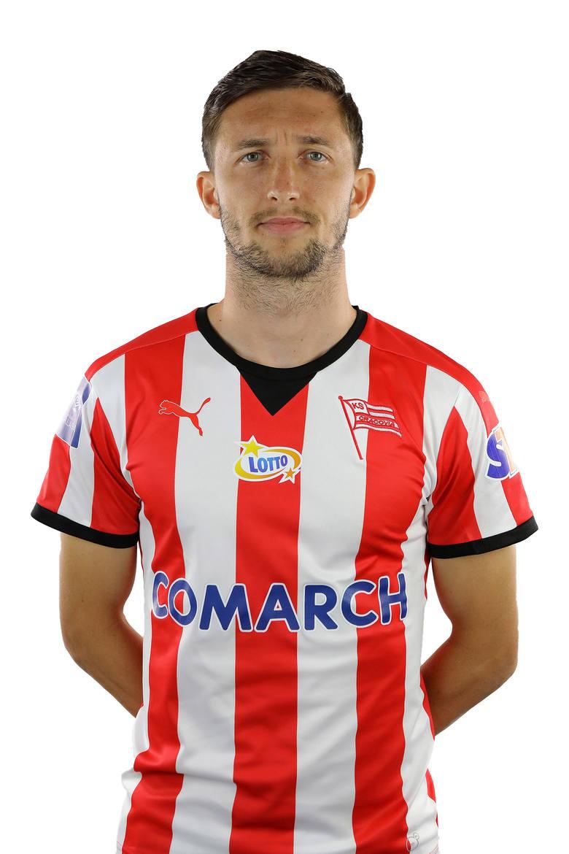 Prawy obrońca bardzo chciał się godnie zaprezentować w Szczecinie. W końcu Pogoń to był dla niego pierwszy klub w polskiej ekstraklasie. Dobrze dośrodkowywał,
