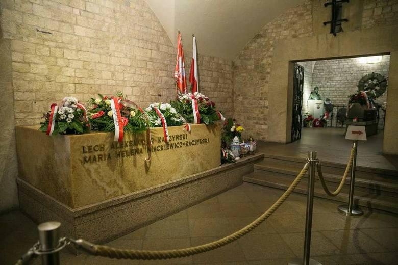 Powstanie nowy sarkofag dla pary prezydenckiej [ZDJĘCIA, WIDEO]