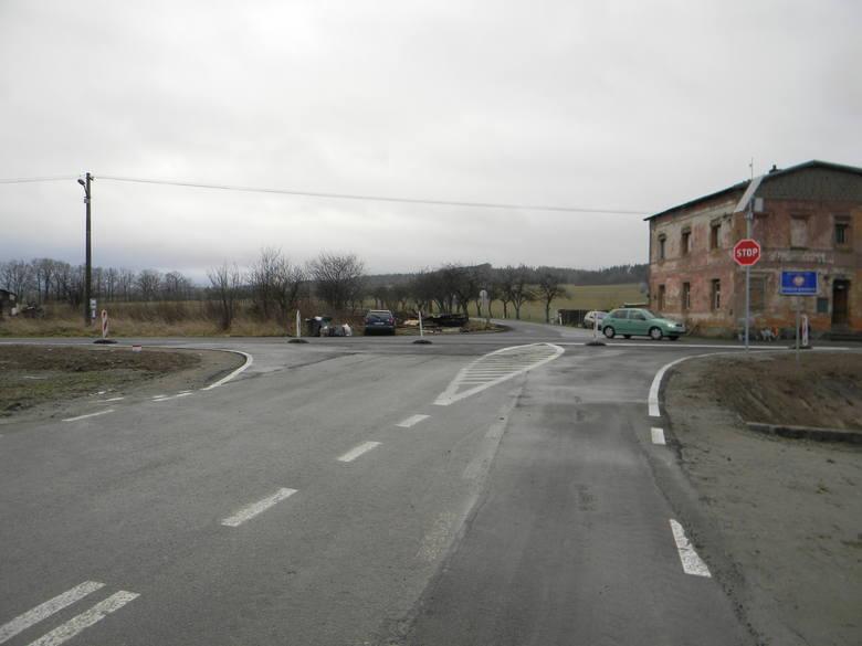 Droga przez granicę i włączenie się do czeskiej szosy Mikulovice - Vidnava