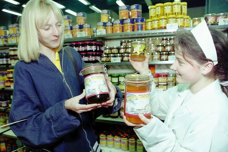 W latach 90-tych zapełniły się półki naszych sklepów KLIKNIJ W PRAWO I ZOBACZ KOLEJNE ZDJĘCIE>>>
