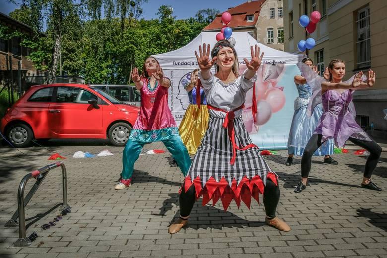 Artyści z Just Dance wystąpili dla małych pacjentów UCK w Gdańsku. 22.05.2020 r.