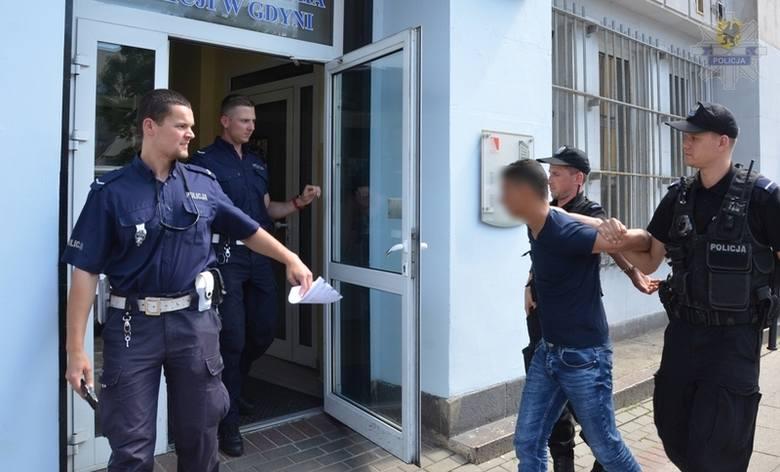 Obcokrajowcy molestowali niepełnosprawną 14-latkę w Gdyni