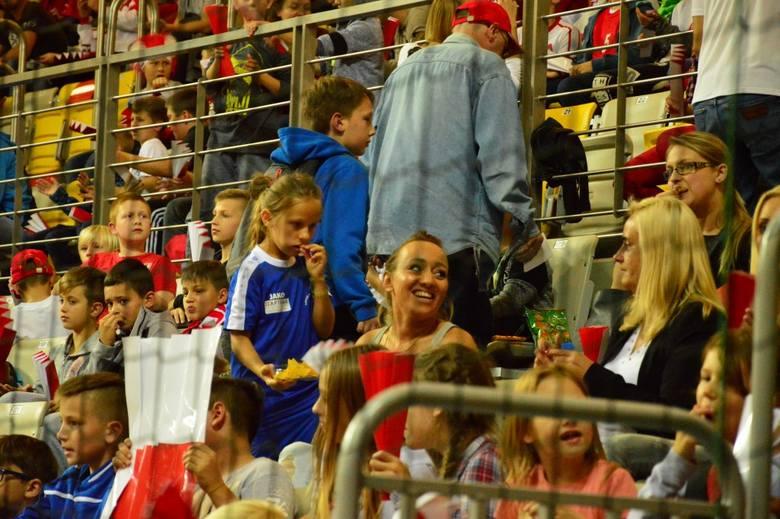 We wtorkowy wieczór w hali widowiskowo-sportowej w Koszalinie, reprezentacja Polski w futsalu pokonała Węgrów 6:4 i wywalczyła awans na Mistrzostwa Europy.