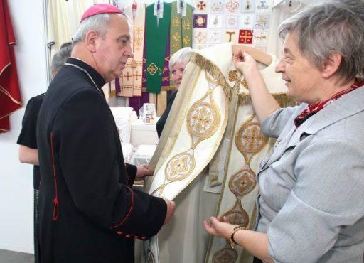 Najnowsza moda branży kościelnej i sztuka sakralna na targach Sacroexpo